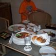 部屋での食事
